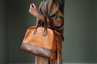 Soft Cona bowling bag- tan/conker  A structured and roomy bowling bag. From m hulot