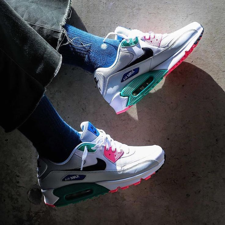 69.2k Likes, 601 Comments - Sneaker News (@sneakernews) on Instagram: