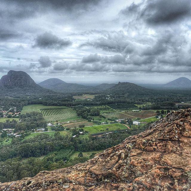 Flashback to the weekend adventures, climbing Mt Ngungun at the Glasshouse Mountains ❤️ Breathtaking!