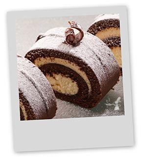 Découvrez et dégustez en famille une délicieuse buche glacée au chocolat et au caramel au beurre salé. Une buche aux saveurs de la Bretagne !