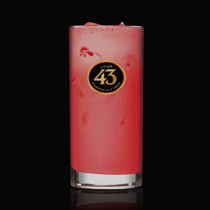 Try the recipe for our most popular serve in Sweden, the Pink Panther 43. This sweet, refreshing serve is made with Licor 43, grenadine, milk, and ice.