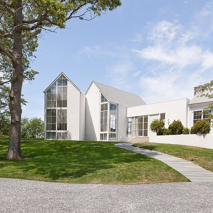 Contemporary Waterfront House Designed By Michael Haverland Architect  Located On The Highest Point Of Shelter Island (New York).