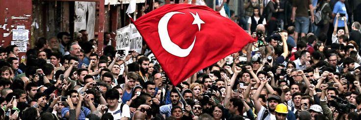 Proteste in der Türkei   http://www.bild.de/themen/ereignisse/tuerkei-unruhen/news-nachrichten-news-fotos-videos-30690686.bild.html