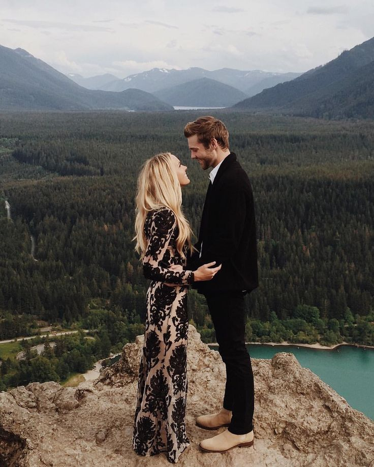 This is a great idea for engagement photos. Living in Oregon, we'd be able to get some beautiful views.