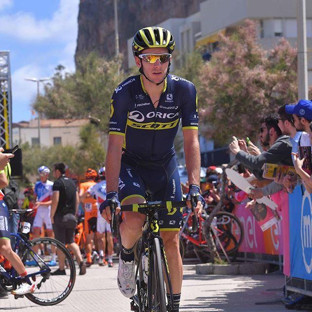 Giro d'Italia 2017 Stage 4 Adam Yates @tdwsport