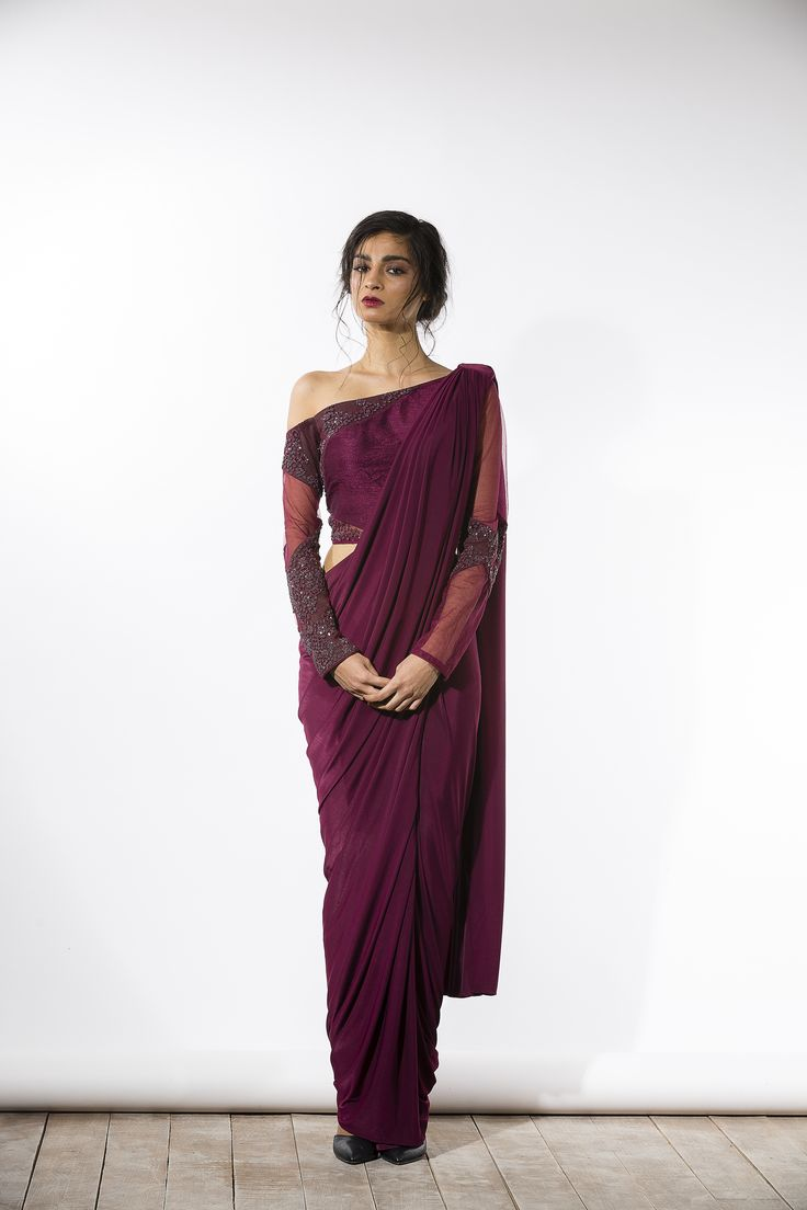#Elegant #Saree Drape and off-shoulder blouse <3 via @sunjayjk