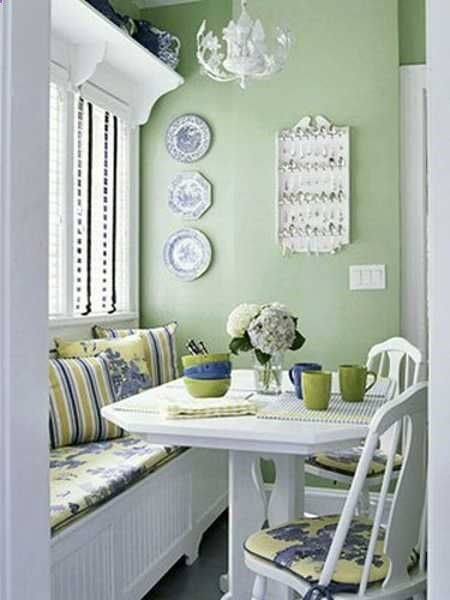 Cottage Style Breakfast Nook - (via lushome)