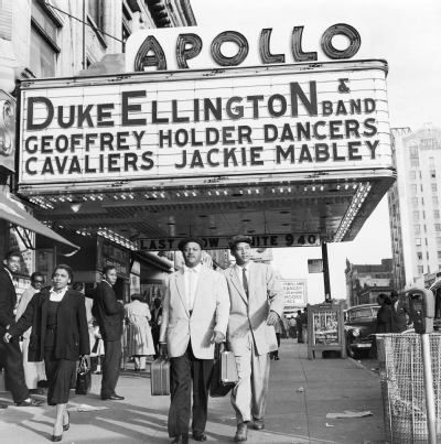Duke Ellington performed regularly here, and Ella Fitzgerald and Billie Holiday both launched their careers at the venue's amateur night. You can say that the Apollo Theater was the 'Motown' before Motown. Today, the theater stands as an artifact on the bustling 125th street.