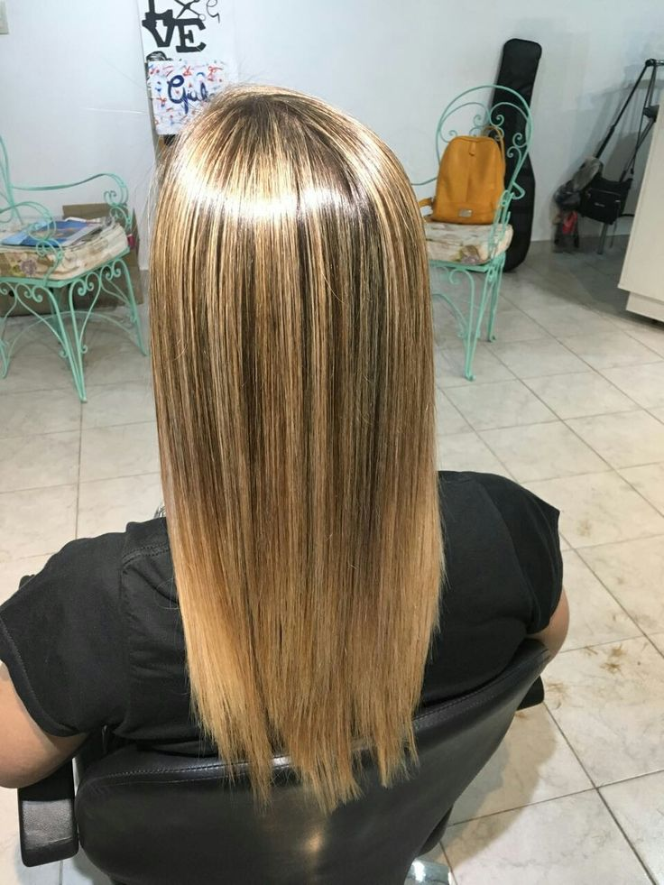 Cabello rubio dorado #reflejos #brillo #cabello #look #dorado #hairstyle #peluqueria #blondhair