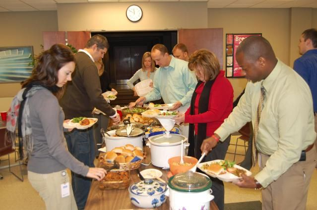 How to organize a potluck party with recipe suggestions and organizing tips.