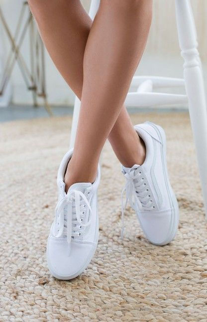 eb9505d71e white old school vans women
