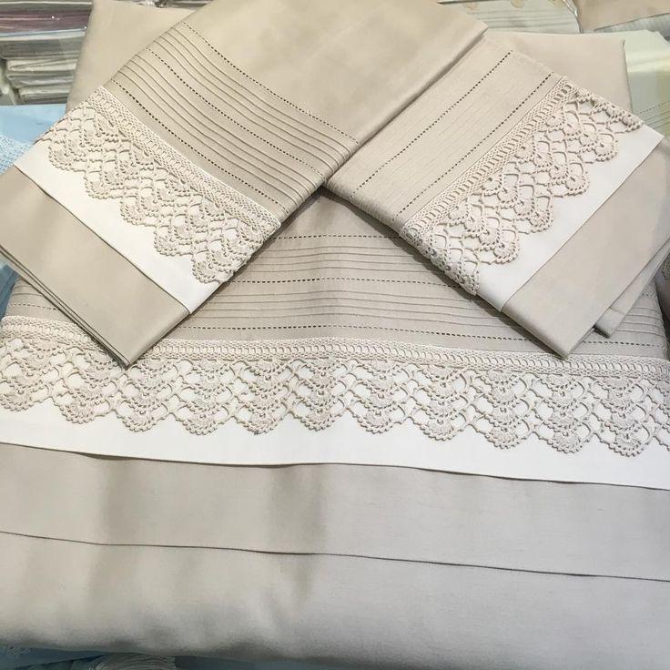 """#dantelevi#luxuryhome#instahome#tablecloth #homedecor#aksesuar#banyo#mobilya#evtekstili#handmade #hometextile#emroidery…"""