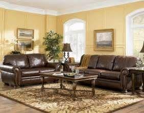 Search Yellow painted walls brown sofa. Views 82454.