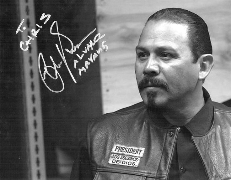 Emilio Rivera autograph