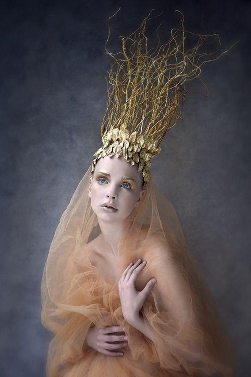 darkbeautymag:  Photographer/Wardrobe/Makeup:Agnieszka JopkiewiczModel:Agnieszka Pietron