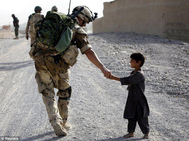 Para ser honrado é preciso ser primeiramente bondoso.  (Rousseau)