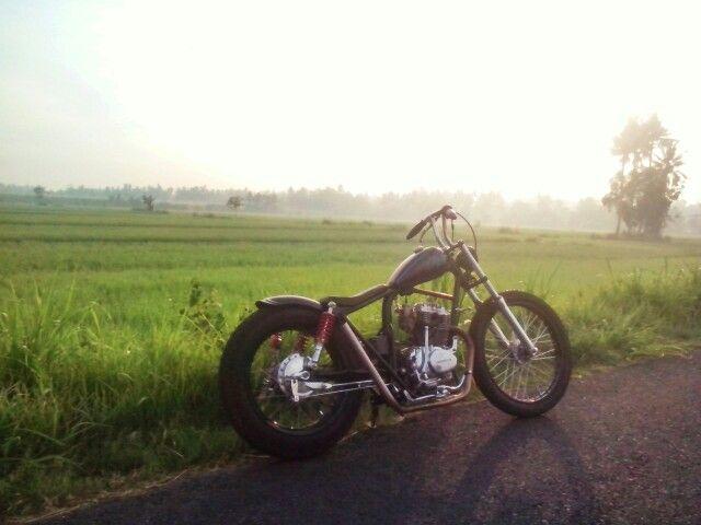 Honda CB100 GL100 chopper Indonesia