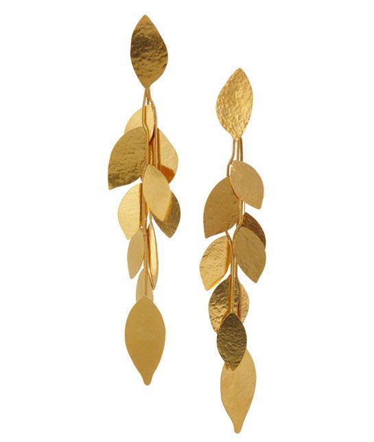 www.cewax.fr love this ethnics earing ethno tendance, style ethnique, #Africanfashion, #ethnicjewelry - CéWax aussi fait des bijoux :  https://www.alittlemarket.com/boucles-d-oreille/fr_boucles_d_oreille_en_tissu_africain_a_motif_-9729985.html -  Boucles d'oreilles Hervé Van der Straeten http://www.vogue.fr/joaillerie/shopping/diaporama/bijoux-feuilles-or/16553/image/886963#!bijoux-feuilles-d-039-or-herve-van-der-straeten