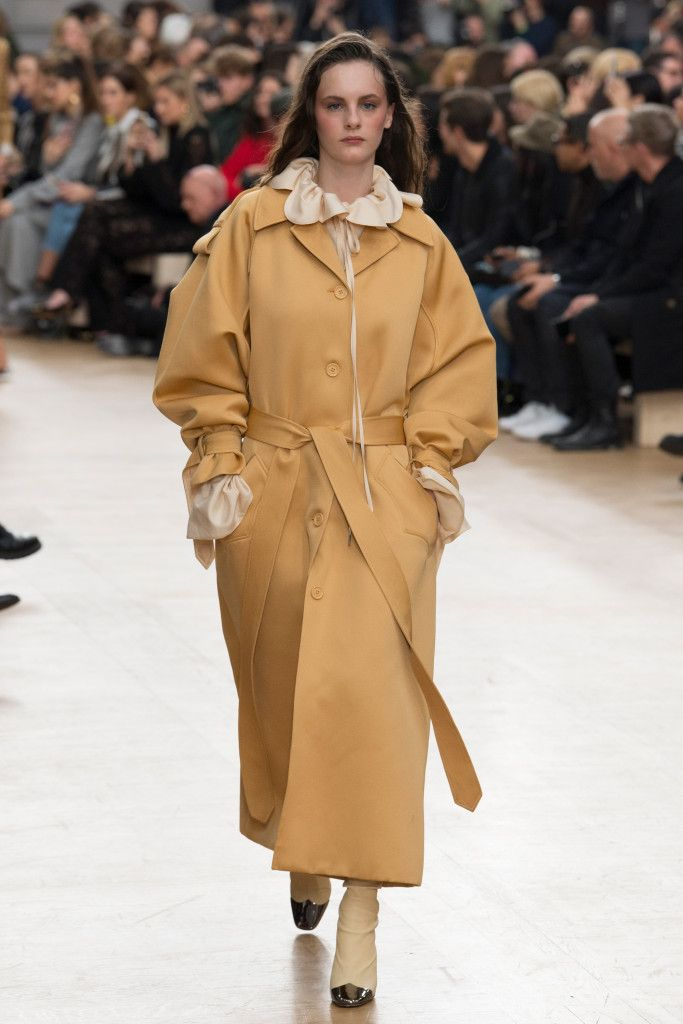 Vogue.com | Fall 2017 Nina Ricci