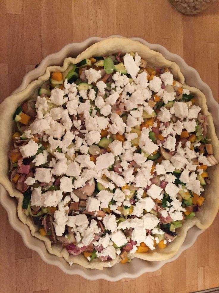 Noch etwas Alpro Rice mit 2 Eiern, Salz, Pfeffer und Muskat ( Gewürze von Ingo Holland) und Schafskäse. Jetzt gehst in Ifen...