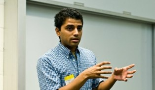 """Foursquare co-founder Naveen Selvadurai announced on Sunday that he is leaving the company.    """"I've done all I can do and I'm moving on,"""" Selvadurai wrote in a post on his personal blog.    He said that the company's third anniversary seemed like a good time to leave. """"[Fellow co-founder] De..."""