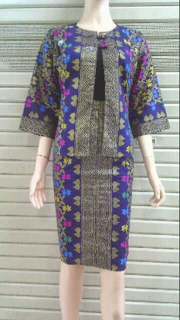Model Bolero Batik Motif Songket Call Order : 085-959-844-222, 087-835-218-426 Pin BB 23BE5500 Model Bolero Batik Motif Songket Harga: Rp.135.000.-/pcs ukuran: Allsize