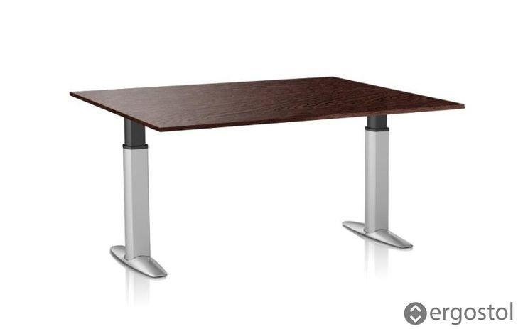 Квадратный регулируемый стол.  В последнее время существенно возрос спрос на квадратные регулируемые столы с одной опорой, которые, как правило, устанавливают в офисных помещениях. С чем это связано?  #квадратныйстол #регулируемыйстол #ErgoStol
