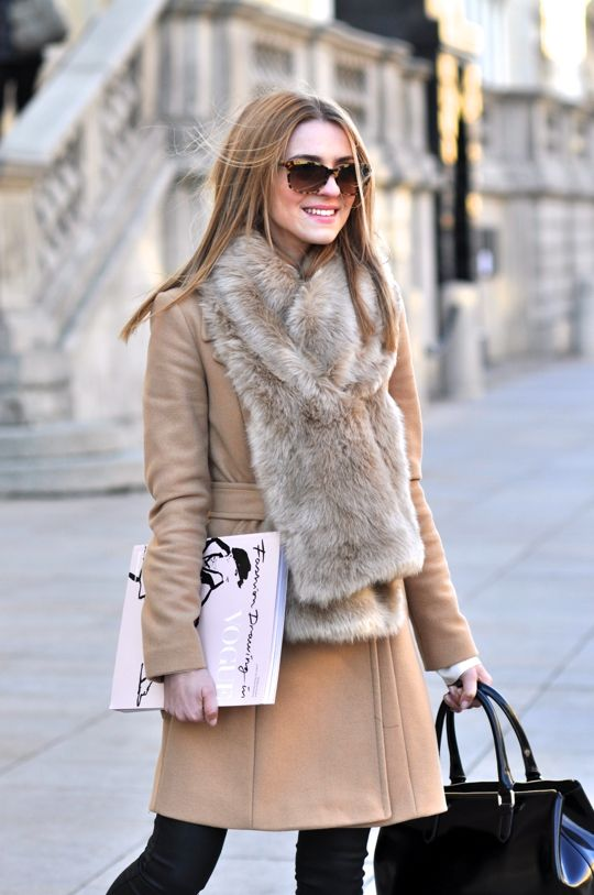 neutral outfit with a fur scarf
