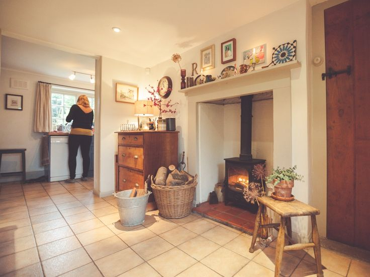 Charnwood Country 4 in a victorian kitchen.