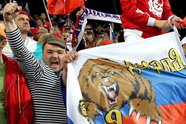 Российским болельщикам во Франции запретили показывать национальный флаг