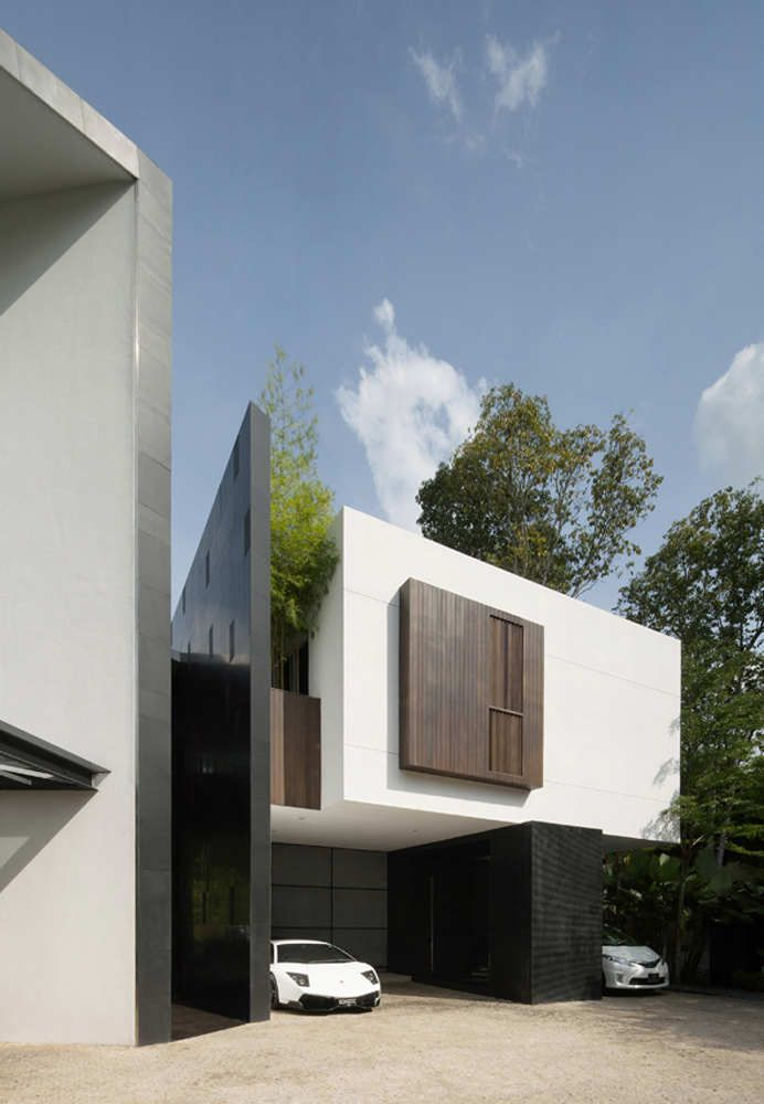 Black & White House Formwerkz Architects