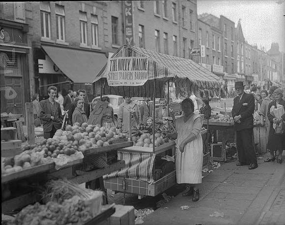 Irish History Links, Moore Street in 1959 (1959) http://www.irishhistorylinks.net/pages/OldDublin/MooreStreet1959.jpg, accessed 10 December 2014