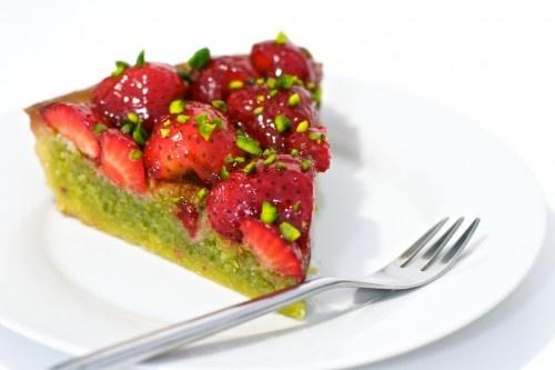 Strawberry and pistachio tart