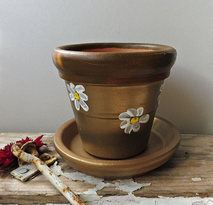 Clay Pots Gifts, Painted Clay Pots, Hand Painted Pottery, Chamomile Flowers , Clay Candle Holders, Flowers Holder, Golden Terracotta Planter by PaCoShaBe on Etsy