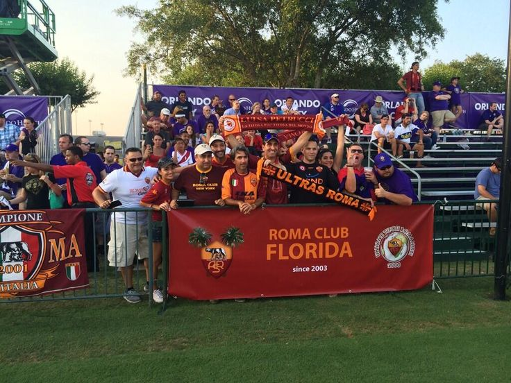 #OrlandoRoma: a group of US Giallorossi fans #Orlando2014 pic.twitter.com/KrOUt7kERA