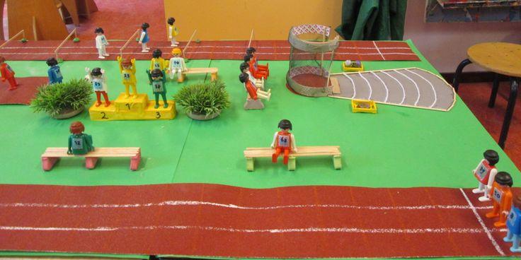 Atletiek speeltafel 03   Nutsschool Maastricht. Gemaakt met playmobil.