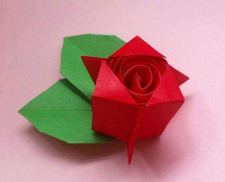 Origami modular rose  Designed by Shoko Aoyagi  Tutorial https://youtu.be/H4J6unOTibc  Folded by Majomajo  #origami #origami_rose