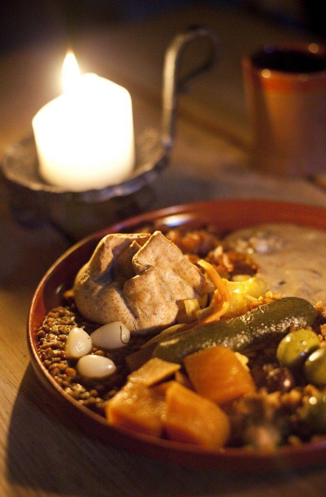241 best medieval food cookingdomestic images on pinterest olde hansa medieval tallinn meal bread vegetables pickles beans forumfinder Image collections