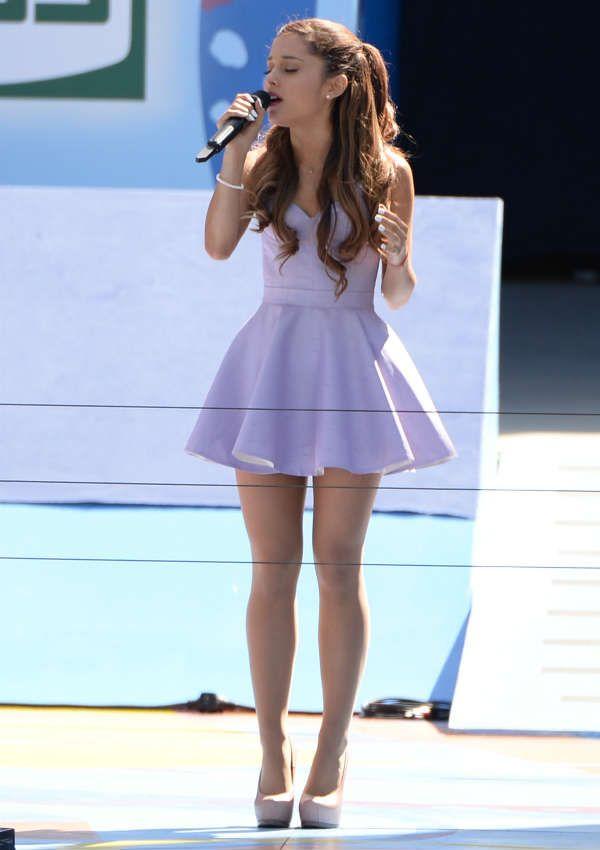See Ariana Grande's Cutest Looks - Cosmopolitan