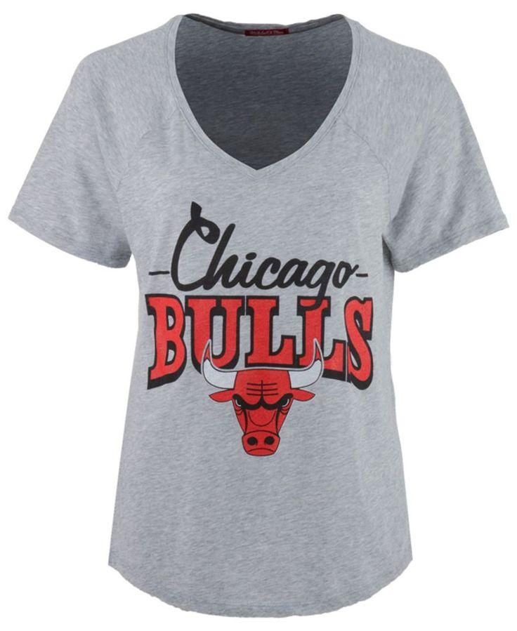 Mitchell & Ness Women's Chicago Bulls Score V-Neck T-Shirt