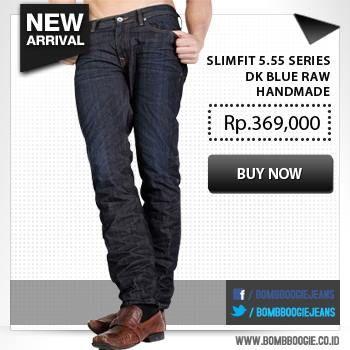 Kamu suka yang berbau gotik? Jeans satu ini bakal cocok banget. Klik aja >>> www.bombboogie.co.id