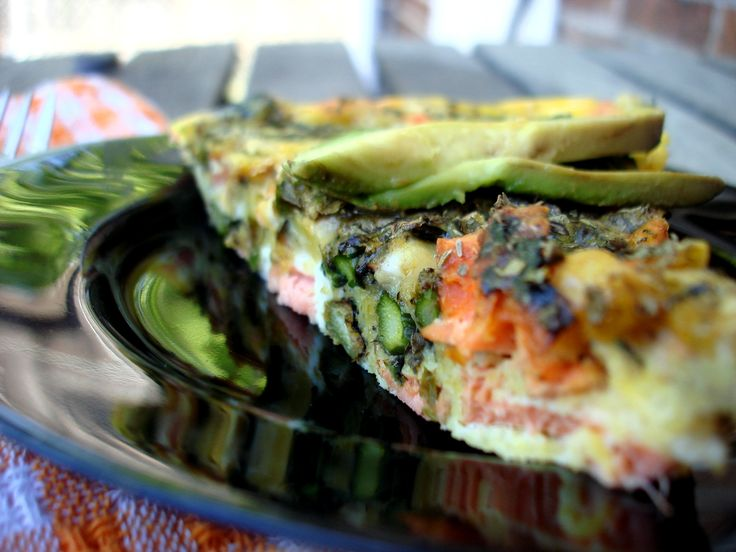 Grilled Salmon and Asparagus Frittata {This was DELICIOUS. I added ...
