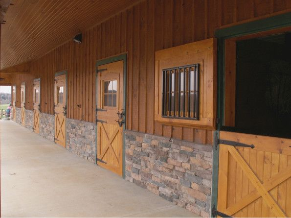 Best 25 barn stalls ideas on pinterest horse stalls for Horse stall door plans