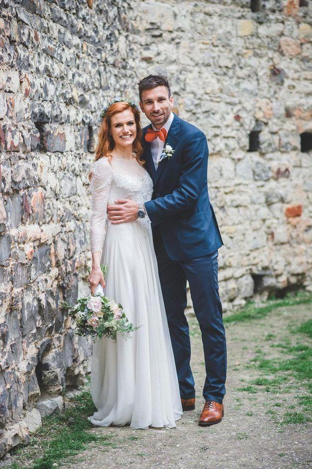 Novomanželé Gabriela Soukalová a Petr Koukal.