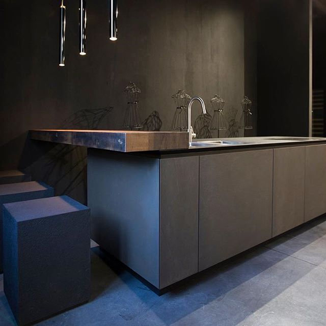 #Rifra #Milano #madeinitaly #showroom #interiordesign #design #luxury #home #homestyle #kitchen #love #cook #cooking #metal #oak #island #archiproducts #archilovers #lovesdomus #archidaily #architecturephotography