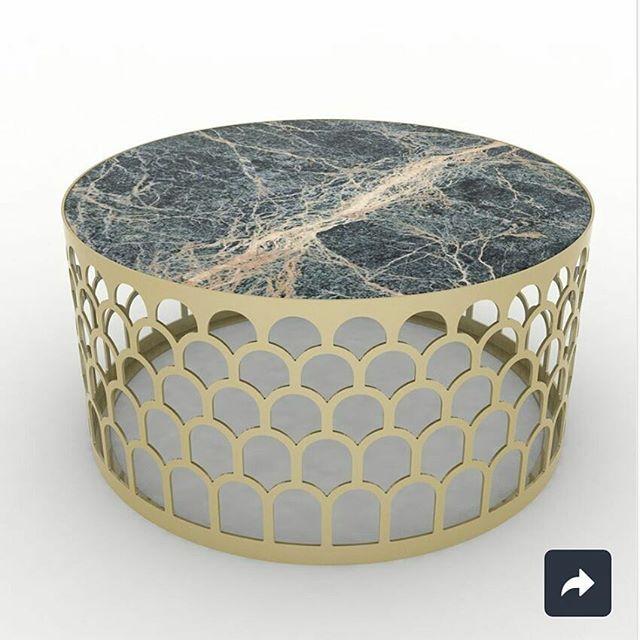 Стол журнальный из резного металла со столешницей, выполненной в авторской технике. Изготавливается в двух цветовых решениях - бронзовый и золотистый металлик. ЦЕНА 4⃣5⃣2⃣0⃣0⃣ . . #стол #столжурнальный #лофт #мебельназаказ #мебельдлягостинной #мебель #мебельлофт #москва #авторскаямебель #металл #столешница #красиваямебель #loft #loftstyle #loftfurniture #designfurniture #design #interior