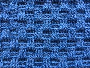 """Hæklet kurveflet mønster giver et smukt flettet look. Mønsteret er deleligt med 6 +5 +2 Start med at slå dine ønskede luftmasker op. Hækl nu 1 stangmaske i 4.lm fra nålen, og hækl nu stangmasker i alle luftmaskerne. Vend med 2 lm. Nu starter kurve mønstreret. Nu hækles der """"3 stgm forfra, 3 stgm bagfra"""" Gentag rækken ud, og afslut med 1 stgm i den vendemaske (de 2 lm) Vend med 2 lm Hækl """"3 stgm bagfra, 3 stgm forfra"""" Gentag rækken ud. Afslut med 1 stgm i vendemasken. Vend med 2 lm. Hækl """"…"""