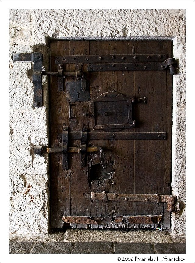 060916-153959 Prison Door in the Basement of the Doges' Palace.jpg (640×860)
