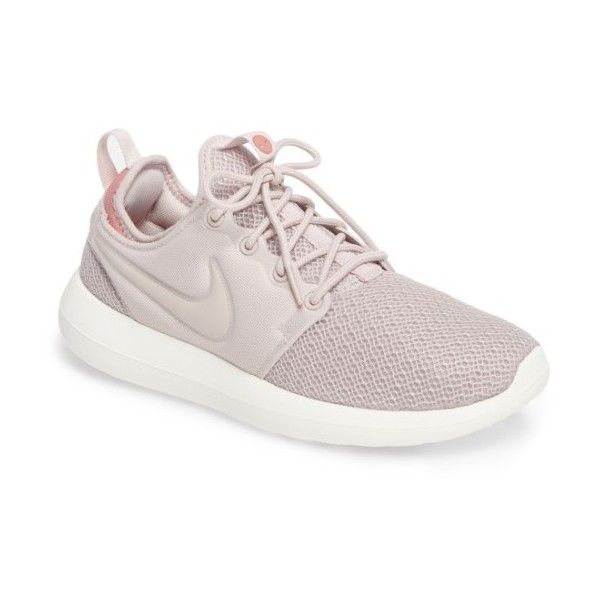 Women's Nike Roshe Two Sneaker (285 BRL) ❤ liked on Polyvore featuring shoes, sneakers, lightweight shoes, nike footwear, nike, grip trainer and nike sneakers