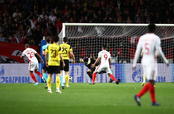 Kylian Mbappe of Monaco scores the first goal during the UEFA Champions League Quarter Final second leg match between AS Monaco and Borussia Dortmund at Stade Louis II on April 19, 2017 in Monaco, Monaco. - AS Monaco v Borussia Dortmund - UEFA Champions League Quarter Final: Second Leg
